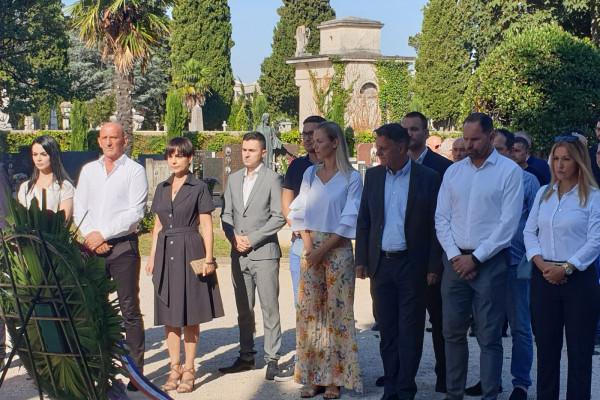 Vijenci i svijeće povodom Dana pobjede i domovinske zahvalnosti i Dana hrvatskih branitelja