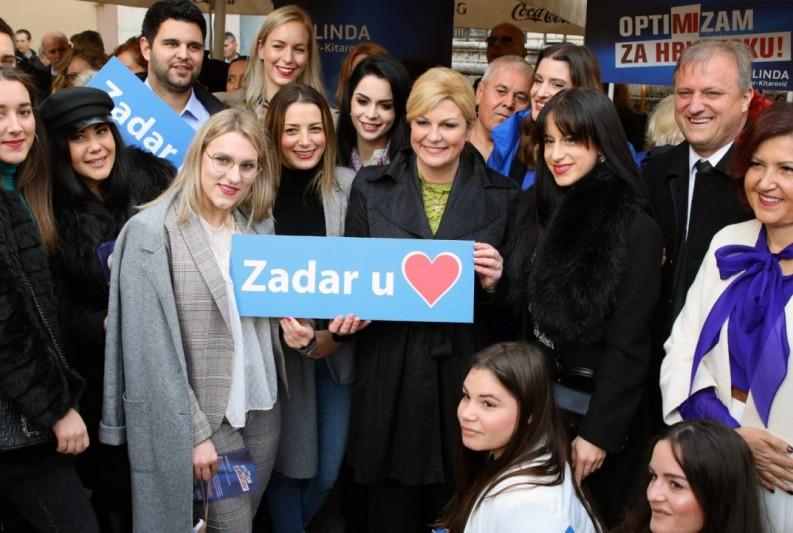 Ujedinimo se, izađimo na izbore i izaberimo državnicu koja vjeruje i ponosi se hrvatskim čovjekom i hrvatskom državom.