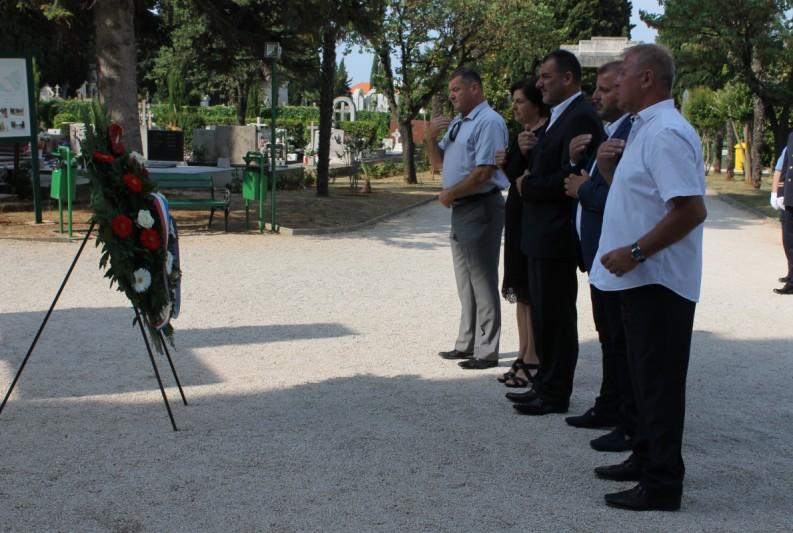 Uoči Dana državnosti odana počast svim poginulima za slobodu Domovine Hrvatske